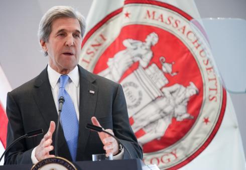 MIT-John-Kerry-01-Press.jpg