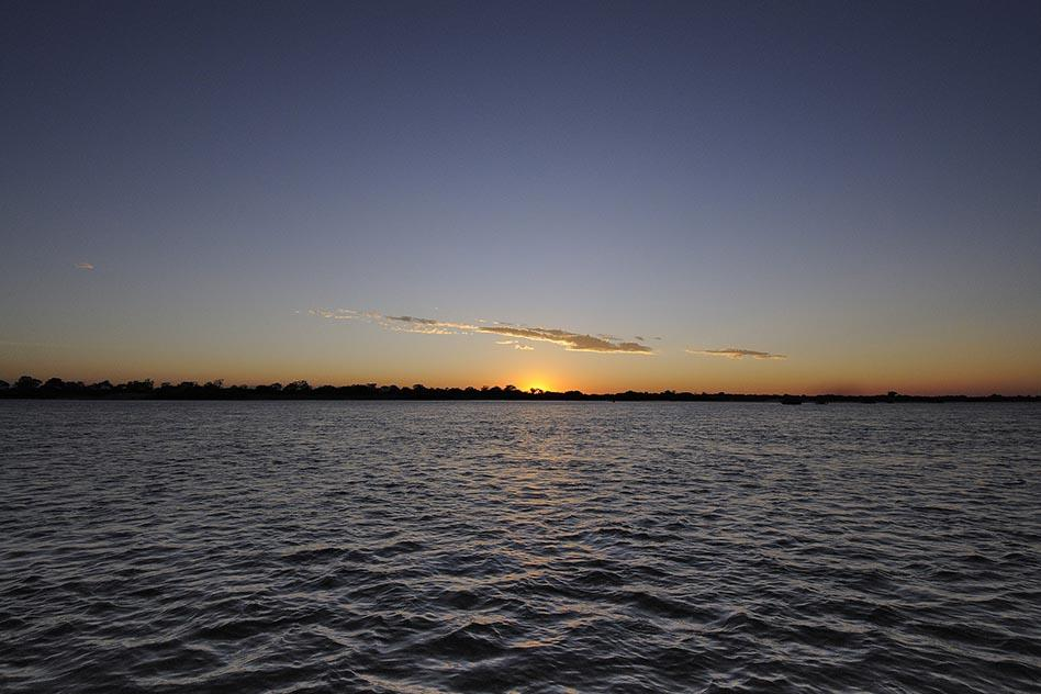Zambezi_River_PHOTO.jpg